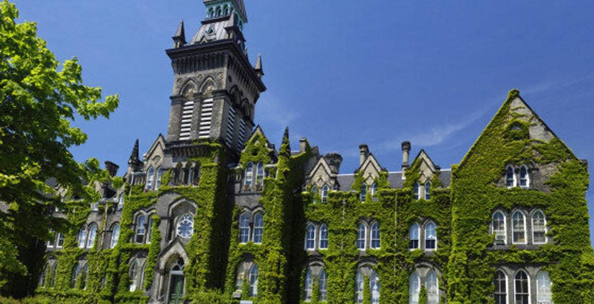 How to Apply to an International University in Canada in 2020