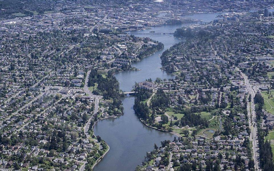 he majority of British Columbia's population is of English, Irish and Scottish descent